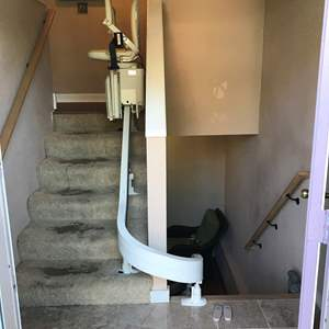 Lot # 375 - Acorn Curve 180 Stairlift