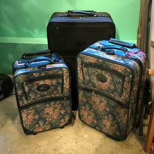 Lot # 381 - 3 Suitcases