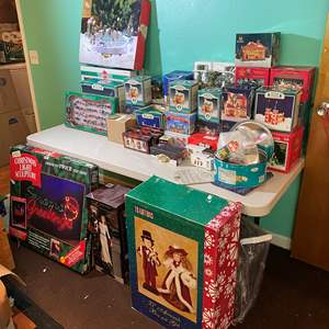Lot # 395 - Huge Selection of Christmas Decorations & Ornaments - (See Pictures)