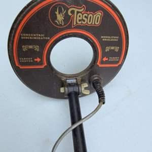 Lot # 89 Tesoro U-Max Metal Detector