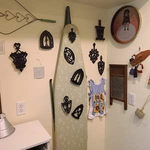Lot # 23 Wall Decorations