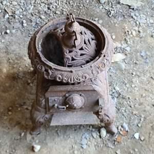 Lot # 57 Antique Cast Iron Stove