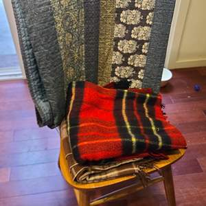 Lot # 96 King Size Quilt & Throw Blankets