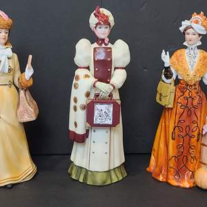 Lot # 116 Avon Presidents Club/Albee Award Figurines #2