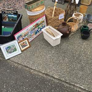 Lot # 14 - Whicker Baskets and Pictures