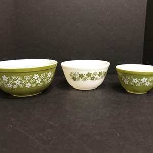 Lot # 51 - Beautiful Crazy Daisy Pyrex Nesting Bowls