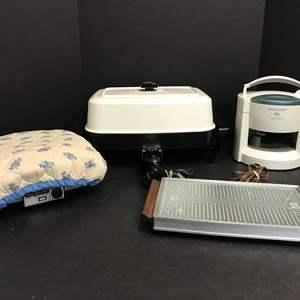 "Lot # 57 - Presto Electric Frying Pan, Hot Tray, Black & Decker ""Lids Off"", General Electric Waffle Iron"