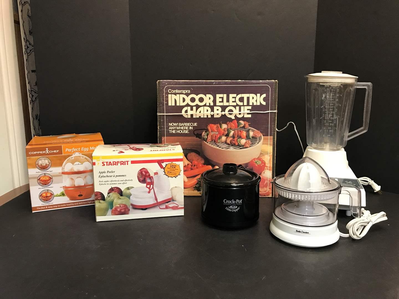 Lot # 62 - Hamilton Beach Blender, Little Dipper Crock Pot, Apple Peeler, Indoor Electric Char-B-Que  (main image)