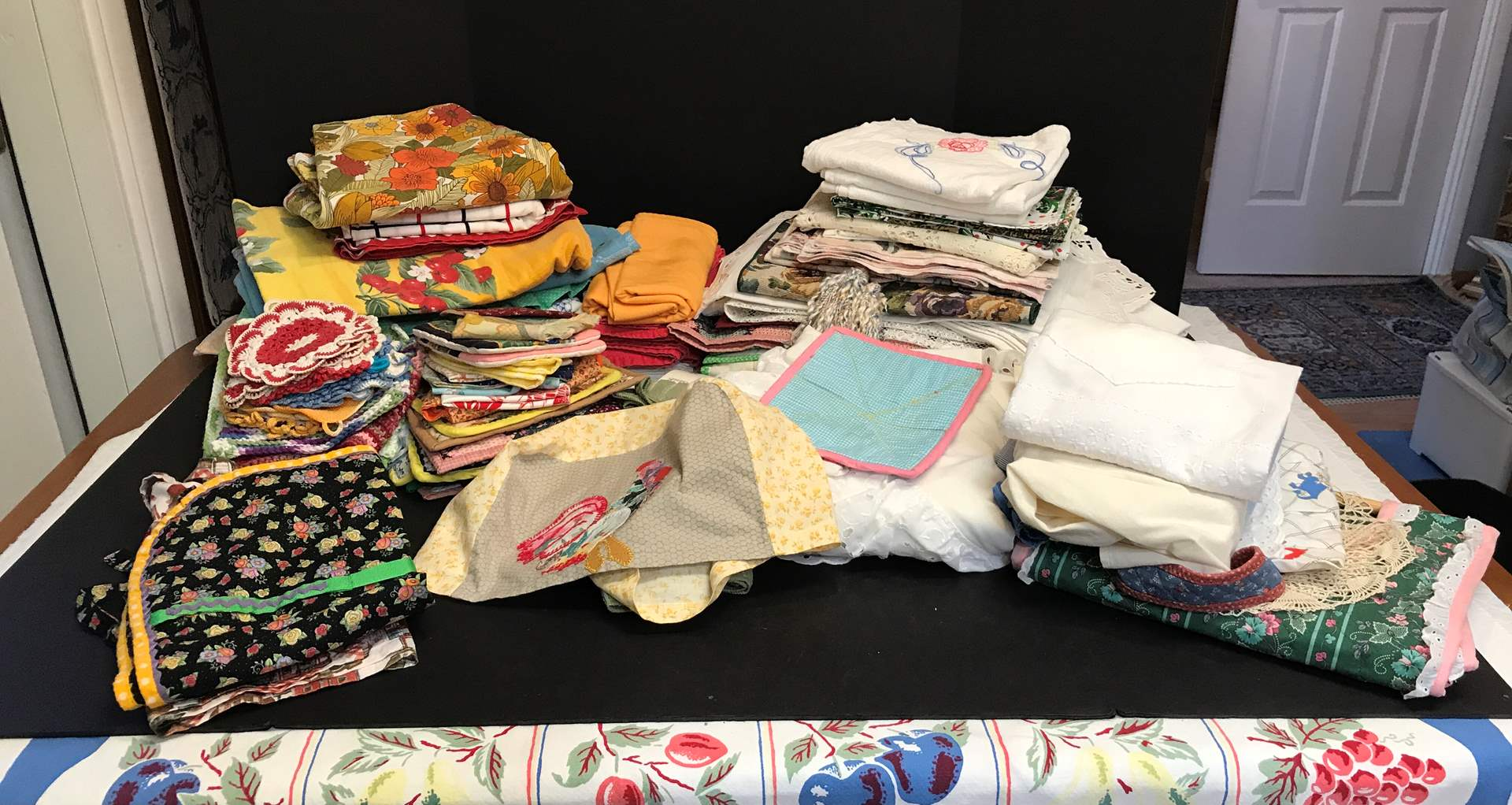 Lot # 65 - Lot of Handmade Doilies, Table Runners & Table Clothes  (main image)