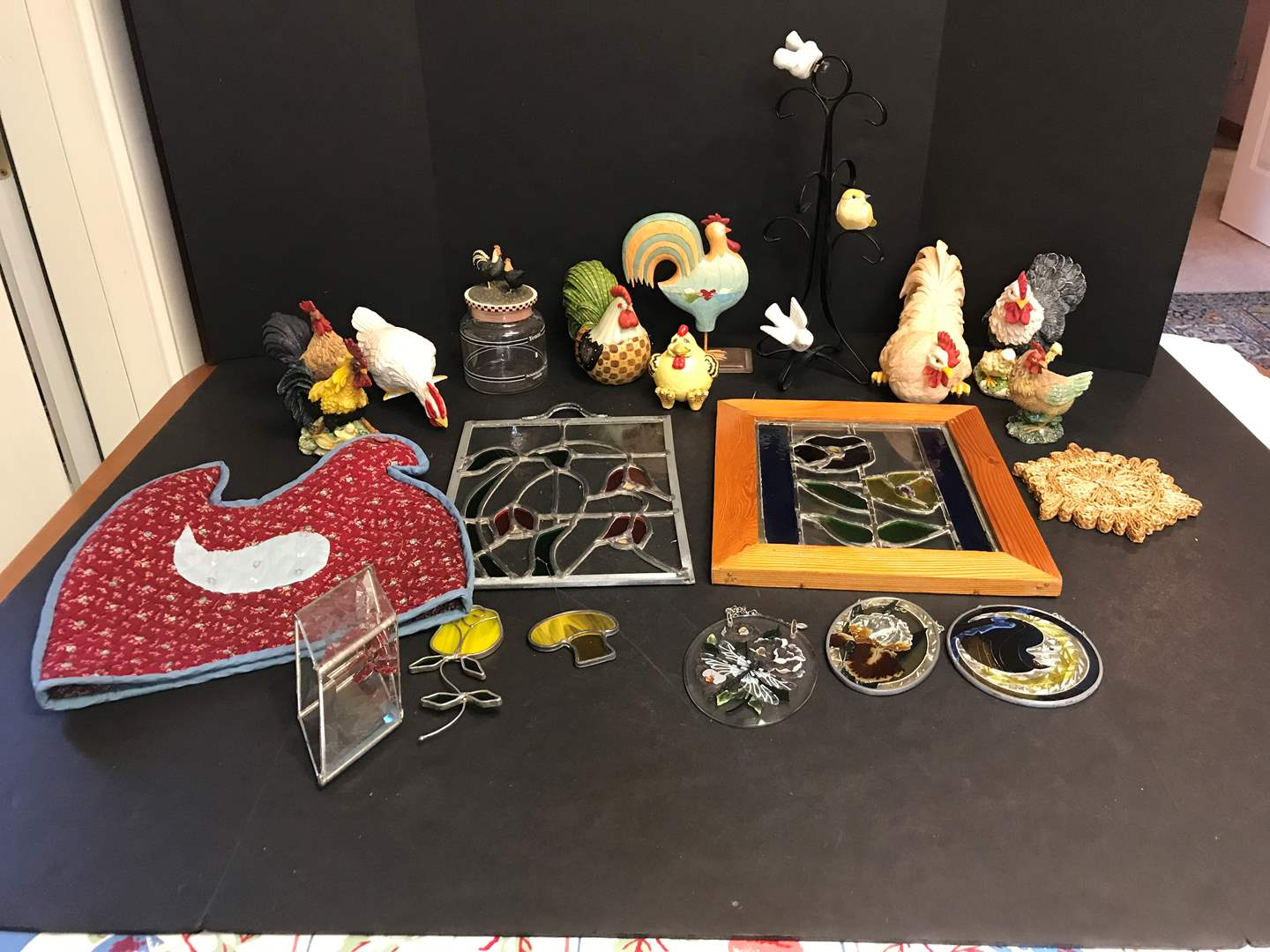 Lot # 79 - Lot of Rooster Decor & Some Stained Glass Items (main image)