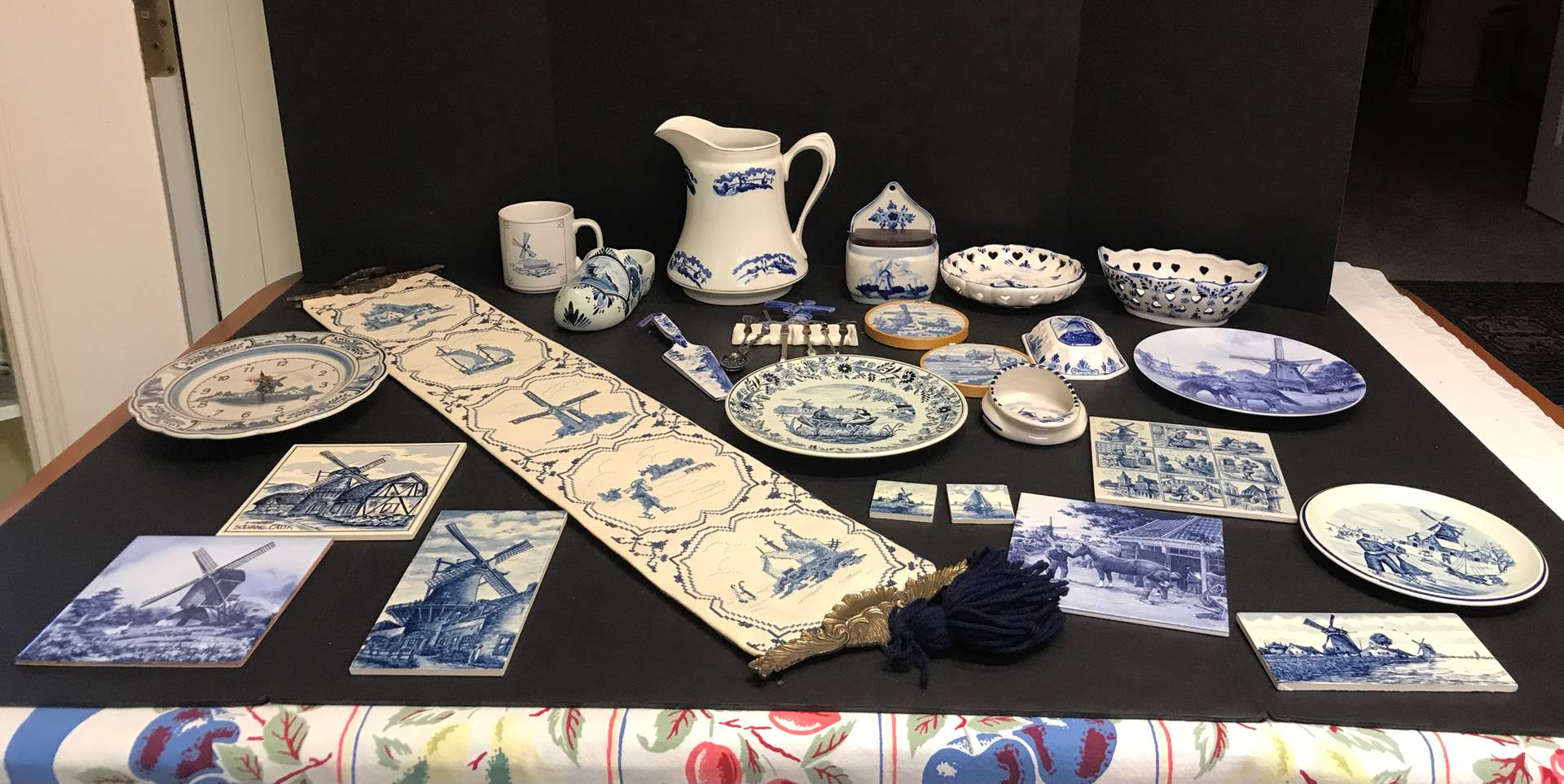 Lot # 82 - Collection of Delfts Blue Items: Hand Painted Wall Decor, Plates, Small Spoons & More (main image)