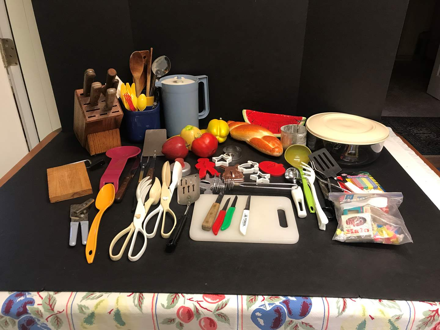 Lot # 83 - Knife Block, Fake Fruit, Cookie Cutters & Plastic Items (main image)