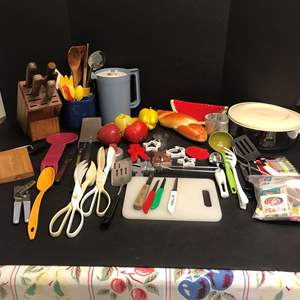 Lot # 83 - Knife Block, Fake Fruit, Cookie Cutters & Plastic Items