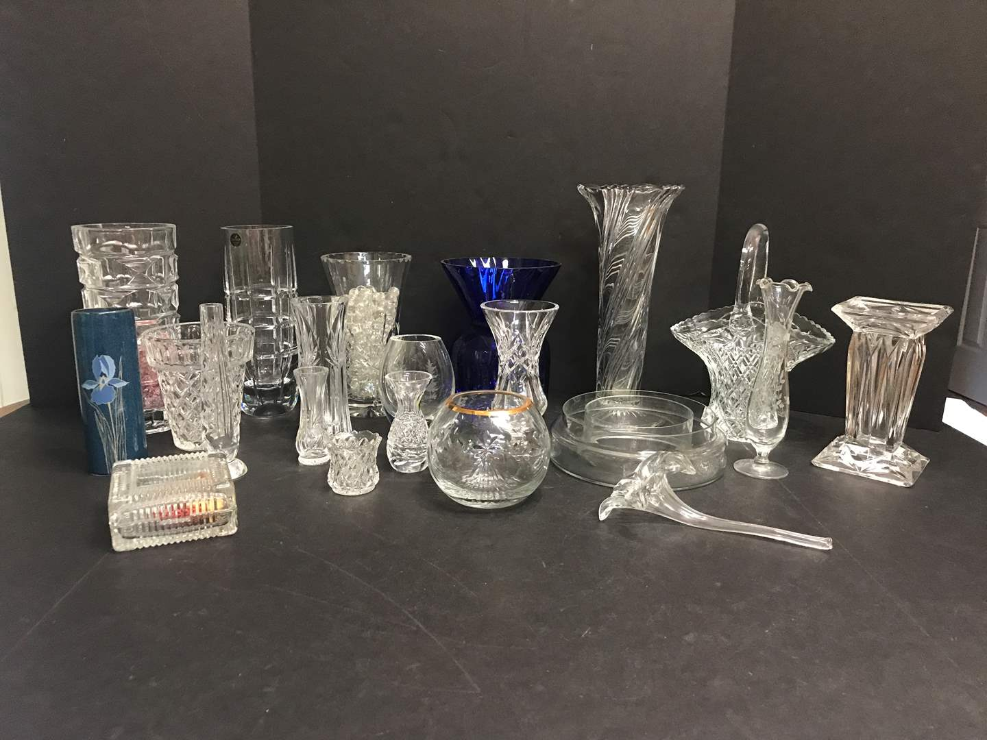 Lot # 84 - Lot of Crystal Glass Vases of Various Sizes (main image)