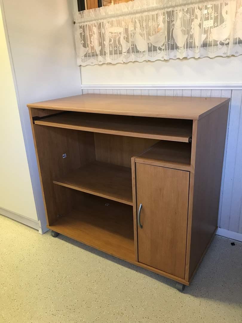 Lot # 98 - Nice Desk (main image)