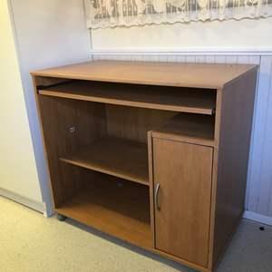 Lot # 98 - Nice Desk
