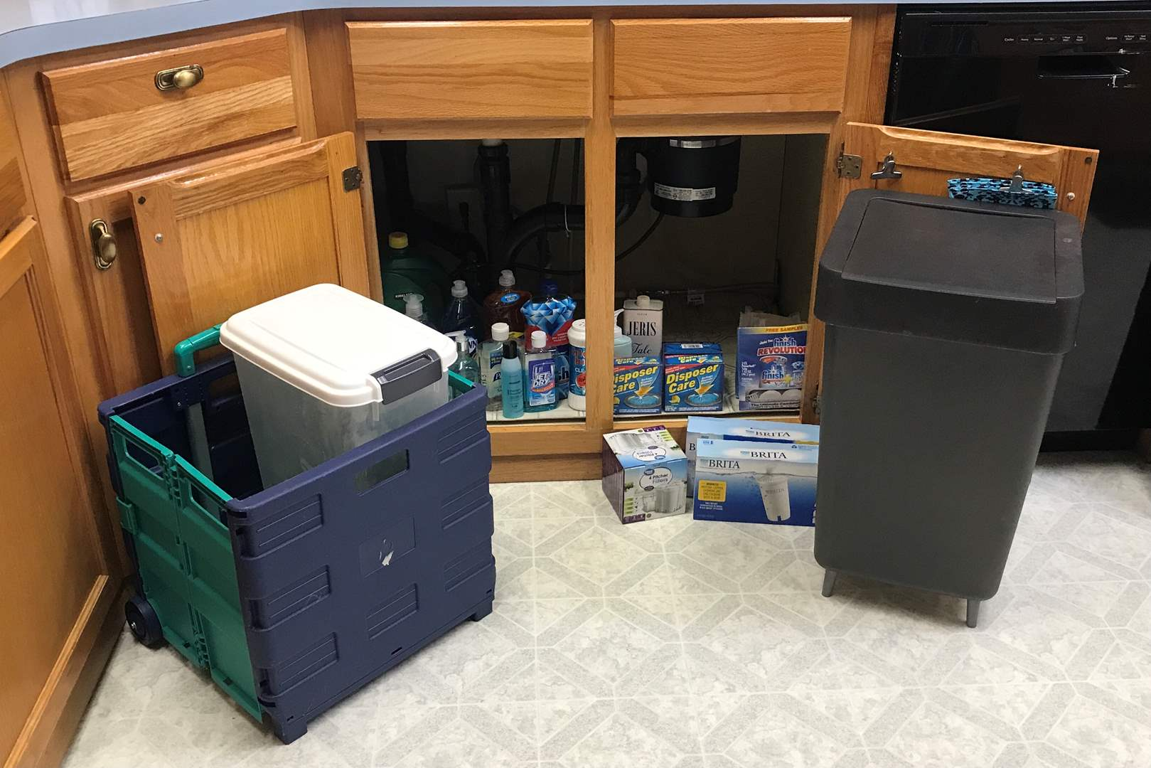 Lot # 140 - Small Selection of Cleaning Solutions, Britta Water Filters, Trash Bin & Cart (main image)