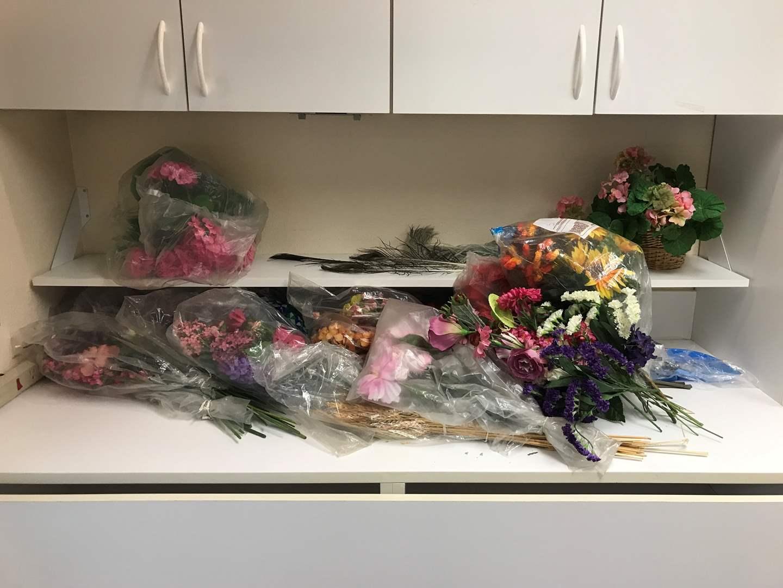 Lot # 152 - Lot of Faux Flowers  (main image)