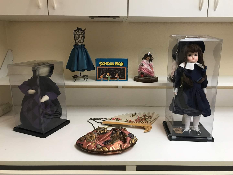 Lot # 207 - Dolls In Cases, Cool Handbag & More (main image)