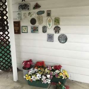 Lot # 267- Outdoor Wall Décor & Planters w/Faux Plants