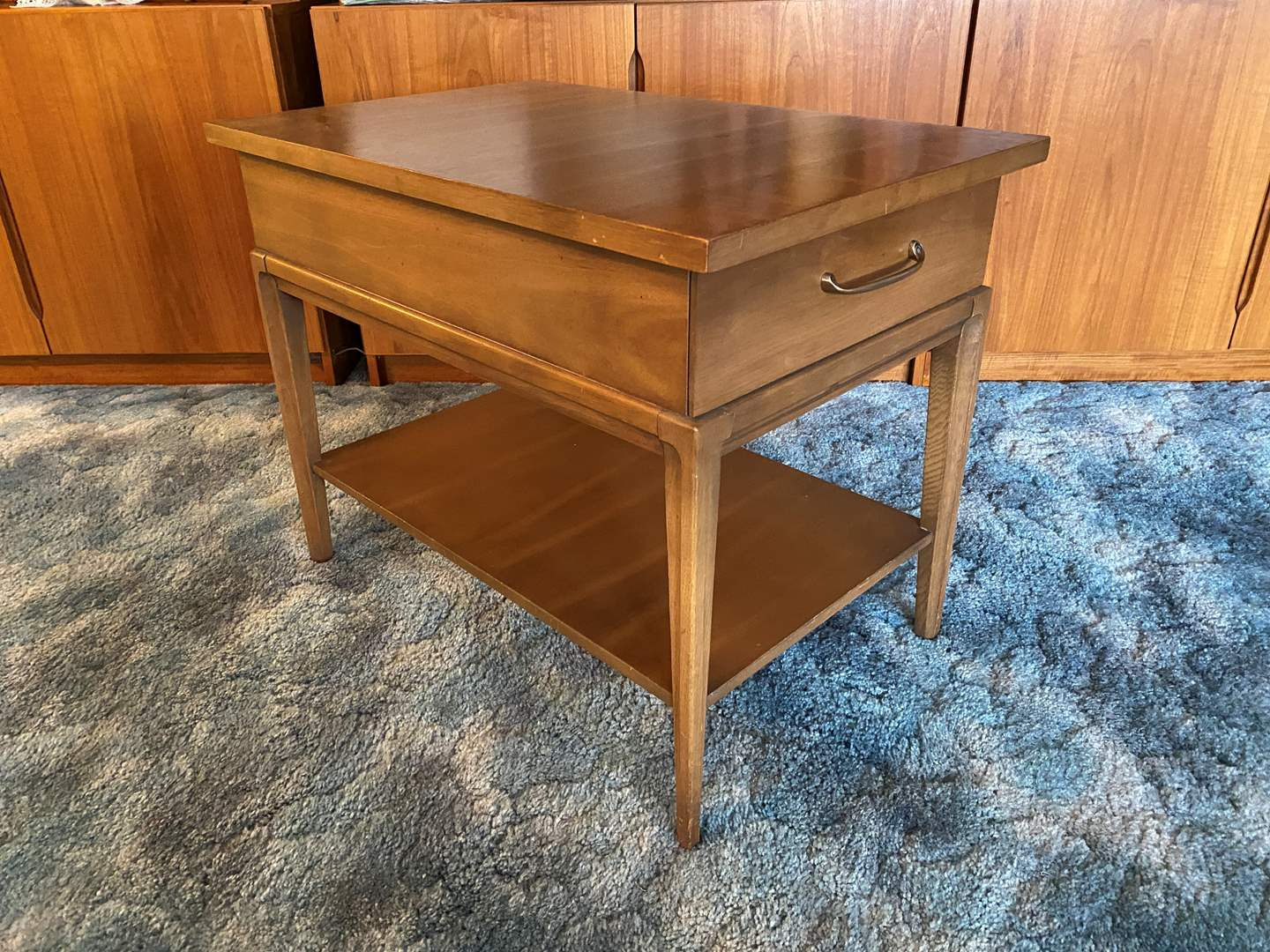 """Lot # 8 - Mid-Century """"Forward '70 by Broyhill Premier"""" Side Table w/ Dovetail Drawers (main image)"""