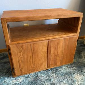 Lot # 19 - Wood Rolling TV Stand