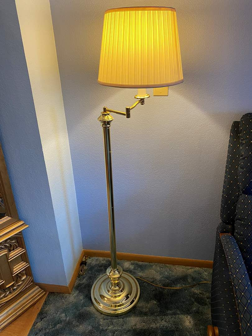 "Lot # 23 - Metal Swiveling Floor Lamp - (Works - 55"" tall) (main image)"