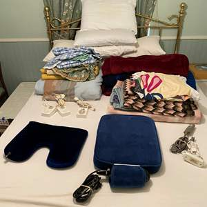 Lot # 115 - Pillows, Queen Size Bedding, Heating Blankets, Throw Blankets & More
