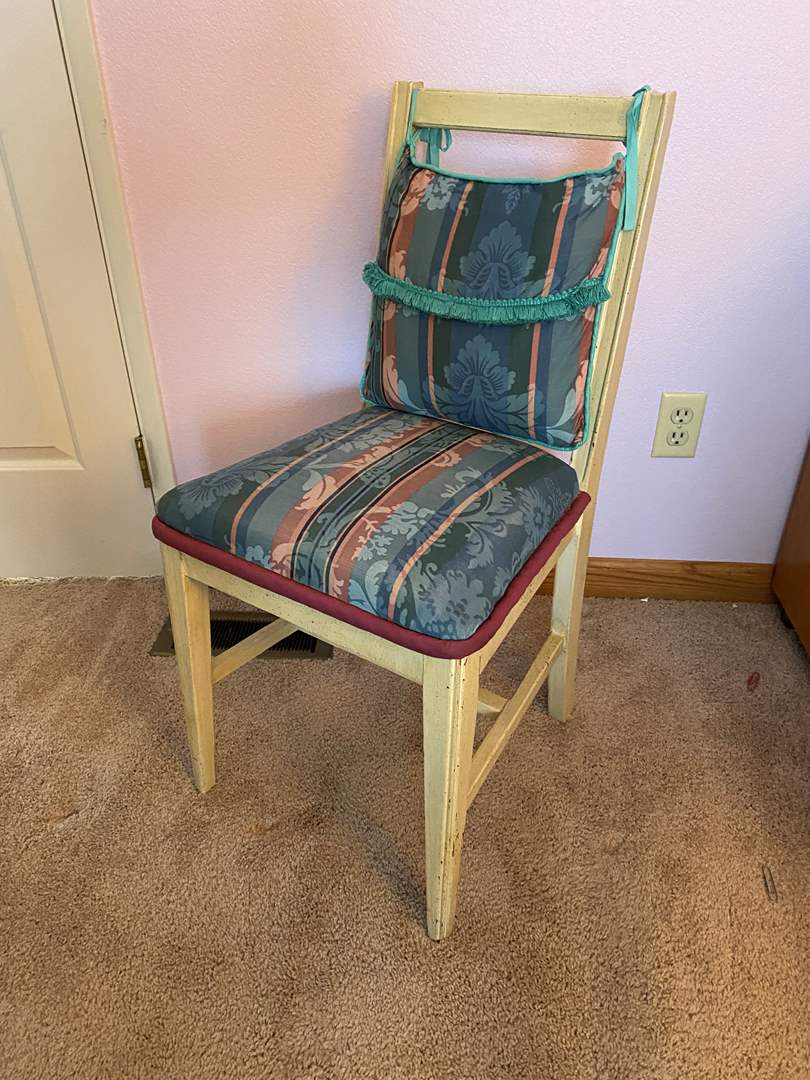 Lot # 131 - Vintage Padded Chair (main image)