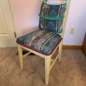 Lot # 131 - Vintage Padded Chair