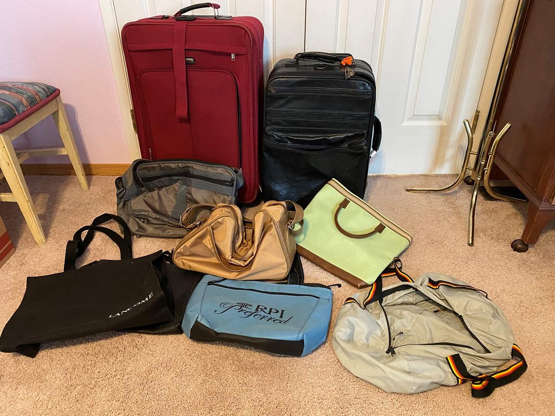 Lot # 172 - Luggage & Handbags (main image)