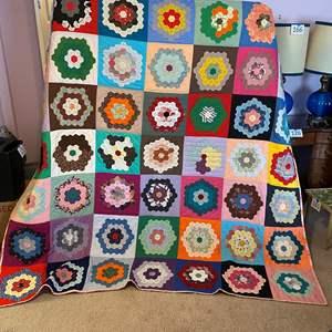 Lot # 178 - Beautiful Handmade Quilt