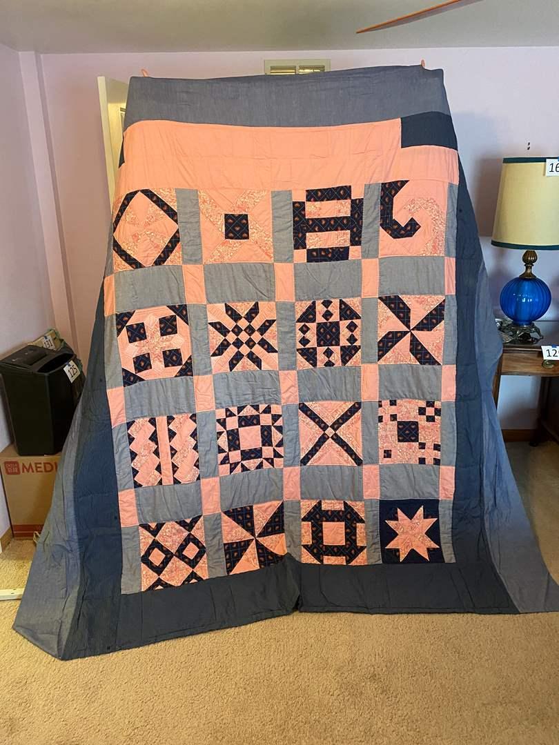 Lot # 181 - Nice Handmade Quilt (main image)