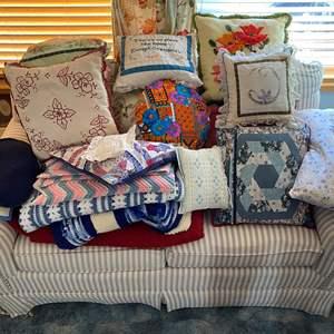 Lot # 185 - Handmade Throw Pillows & Blankets