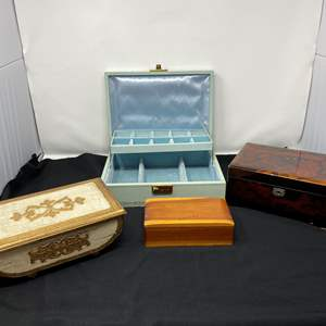 Lot # 200 - Vintage Jewelry Music Boxes