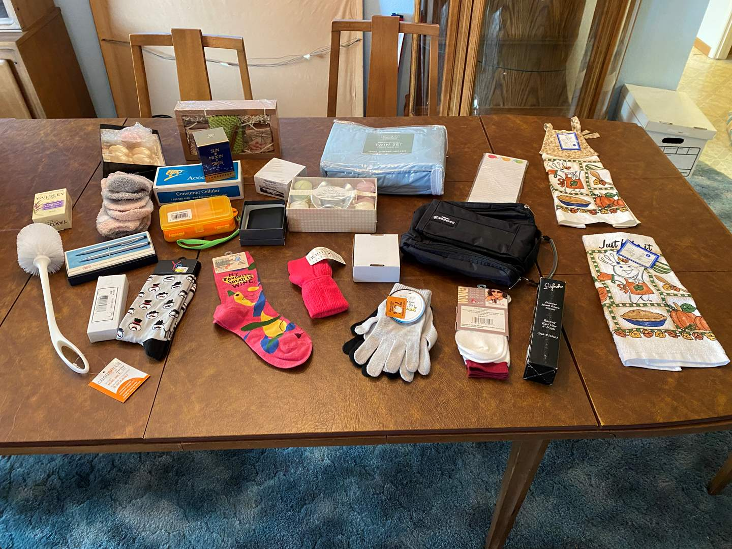 Lot # 201 - Selection of Brand New Items - (See Photos) (main image)