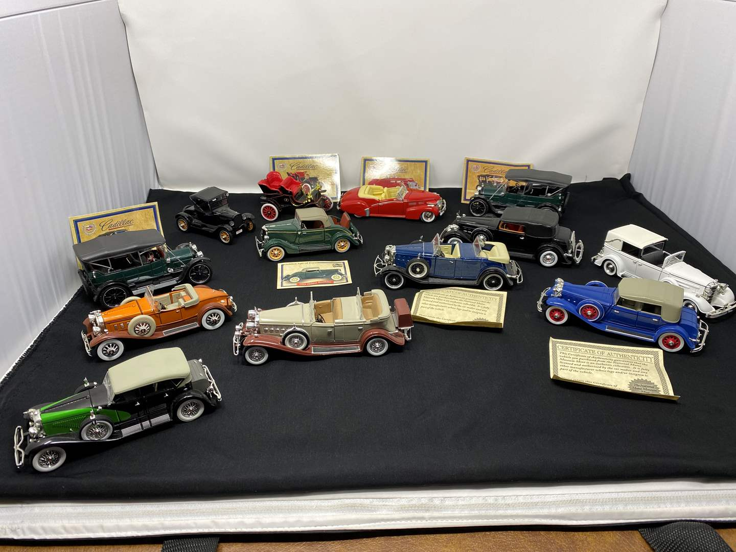 Lot # 216 - The National Motor Museum Mint Collector Cars (main image)