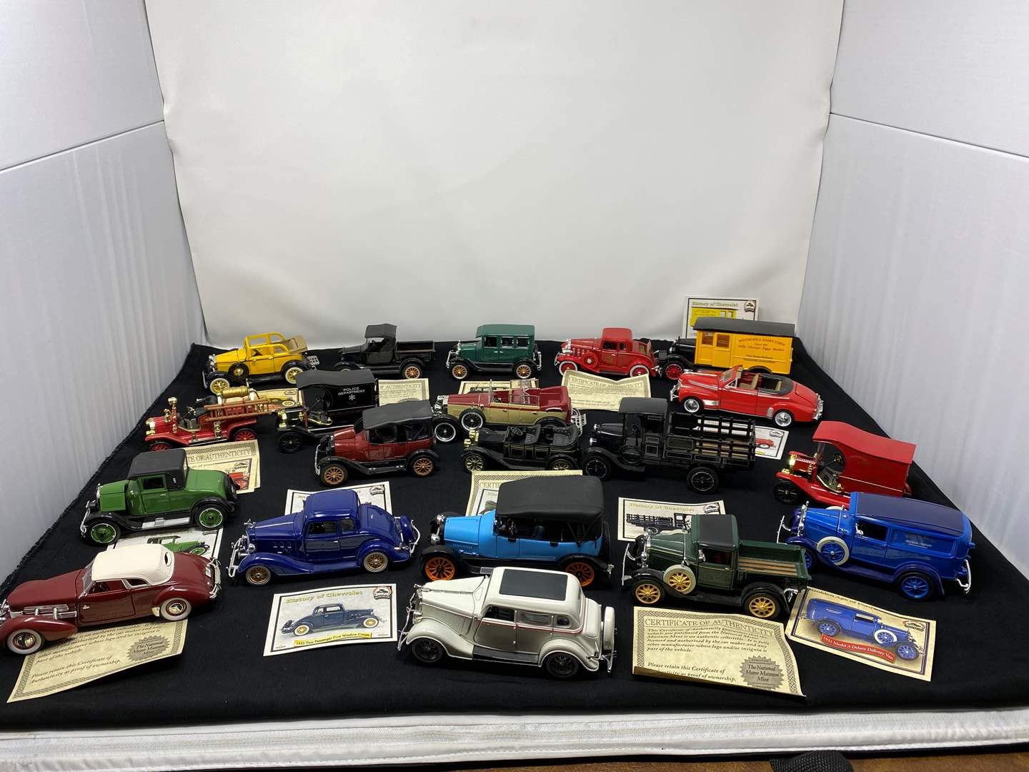 Lot # 219 - The National Motor Museum Mint Collector Cars (main image)