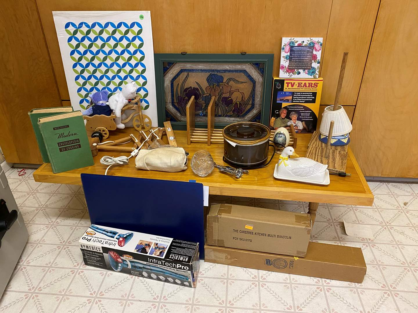 Lot # 249 - Misc. Household Items - (See Photos) (main image)