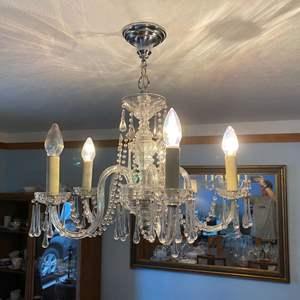 Lot # 4 - Beautiful Italian Murano Glass Teardrop Chandelier