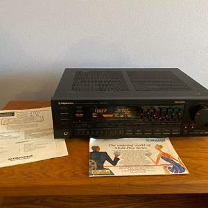 Lot # 18 - Pioneer VSX-401 Audio Stereo Receiver - (Works)