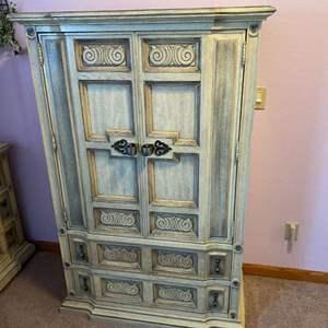 Lot # 162 - Vintage Stanley Furniture Armoire