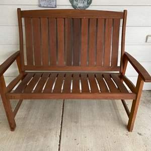 Lot # 258 - Nice Outdoor Wood Bench
