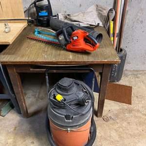 Lot # 286 - Shop-Vac, Craftsman Leaf Blower, Black & Decker Hedge Trimmers