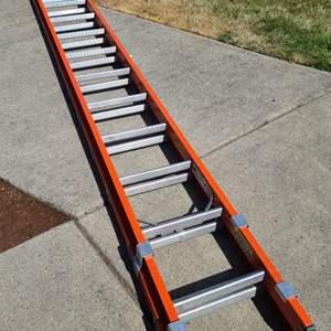 Lot # 4 Keller 28 Foot Extension Ladder