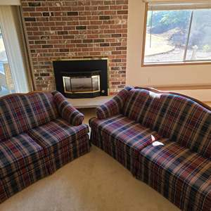 Lot # 40 Hickory Hill Couch & Love Seat