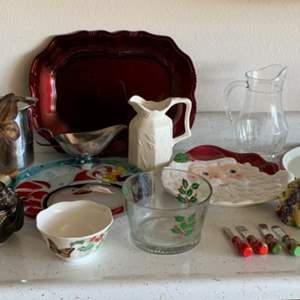 Lot # 76 Miscellaneous Glassware