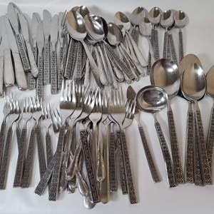 Lot # 81 Assorted Silverware