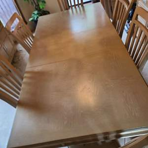 Lot # 93 Stanley Furniture Dining Room Table & Chairs