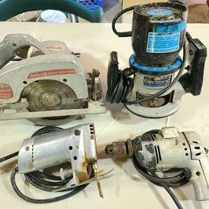 Lot # 104 Power Tool Lot ~ Jig Saw, Router, Skill Saw & Drill